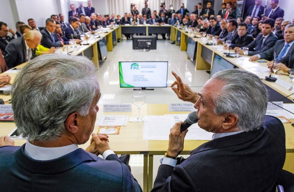Marcos Montes e Michel Temer em uma das reuniões da FPA (Foto: Beto Barata PR)