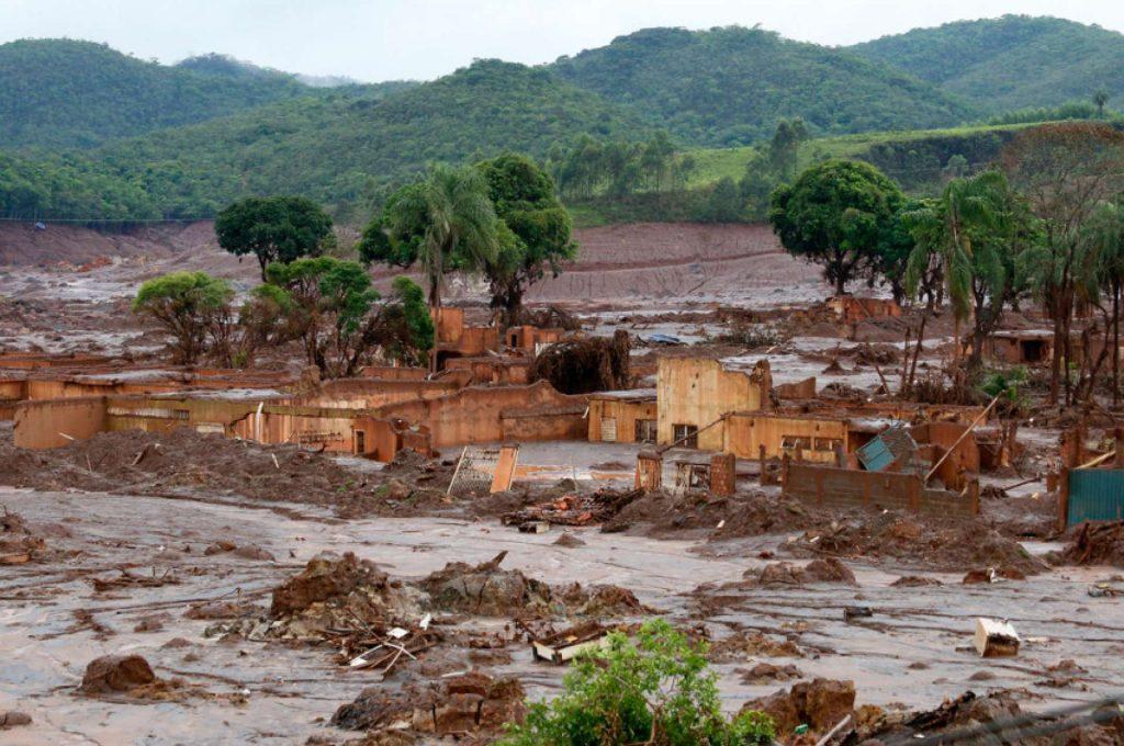 Bento Rodrigues, povoado rural destruído em Mariana (MG). (Foto: Rogério Alves/TV Senado)