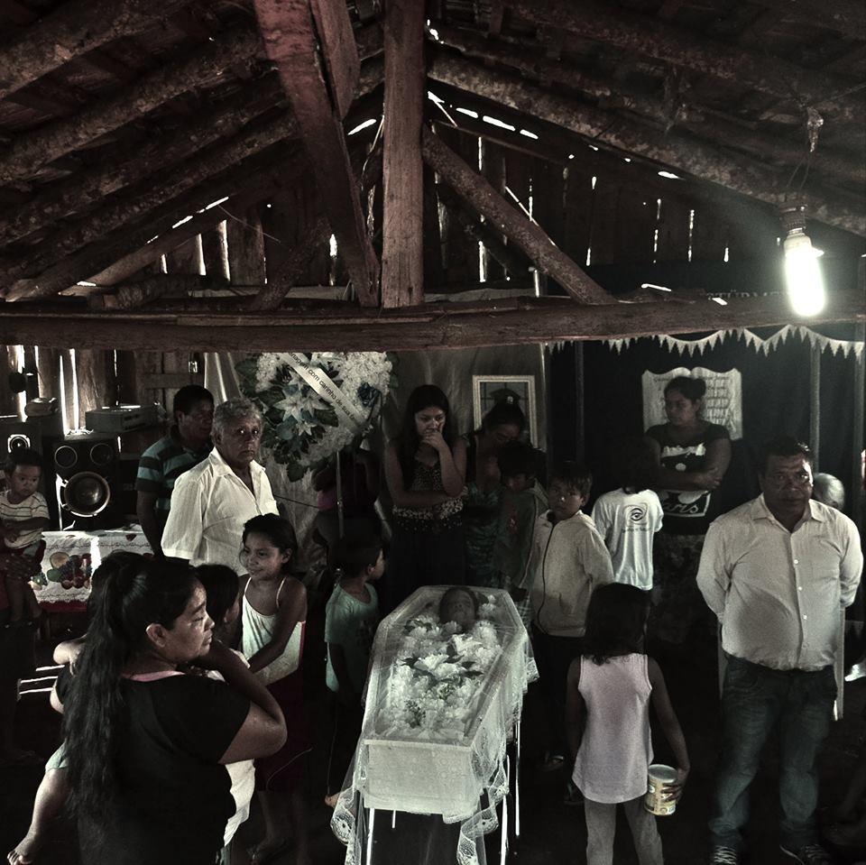 O velório em Chapecó. (Fotos: Isadora Stentzler)